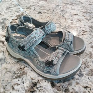 Ecco women's light hiking sandal size 5